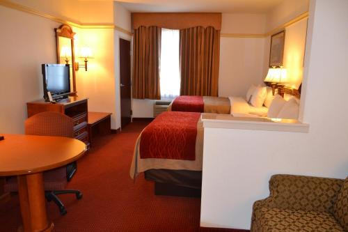 Quality Inn & Suites Near Cleburne Conference Center Photo