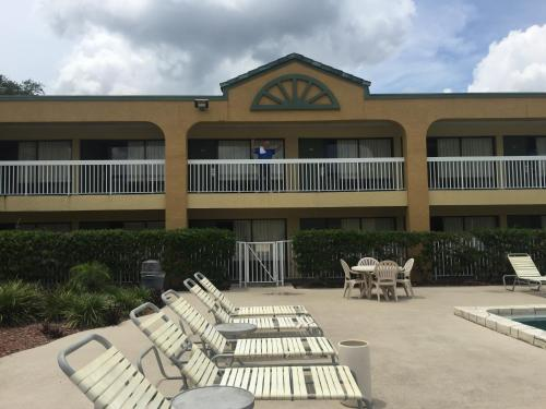 Budget Inn Sanford International Airport Photo