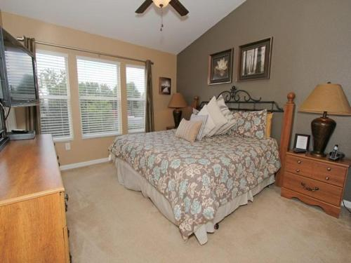 Windsor Hills Three Bedroom Townhome W19P Photo