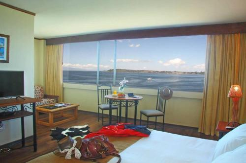 Hotel Versalles Suites Puerto Montt Photo