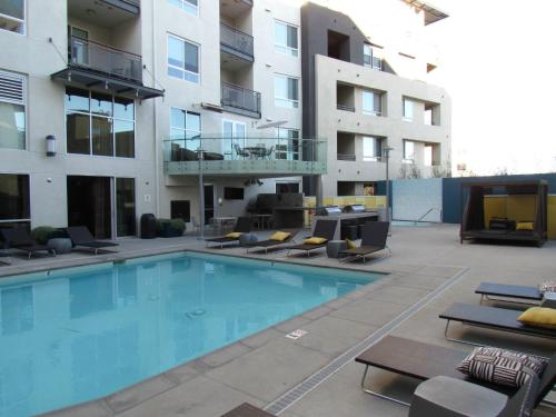 Miracle Mile - Brand New Apartment with Full Amenities - Los Angeles, CA 90036