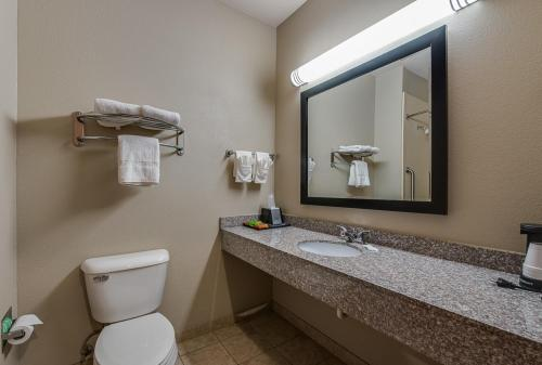 Executive Inn & Suites Cushing Photo
