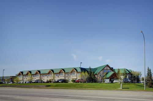 Lakeview Inn & Suites Okotoks Photo