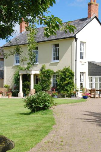 Larkbeare Grange, green hotel in Whimple, United Kingdom