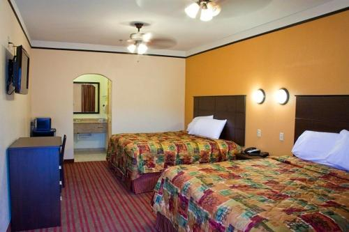 Americas Best Value Inn & Suites San Benito Photo