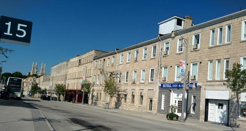 Royal Inn and Suites at Guelph Photo