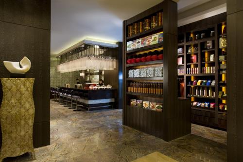 Courtyard By Marriott Shanghai Xujiahui photo 21