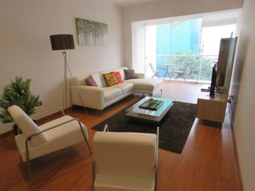 Spacious Apartment in Miraflores Photo