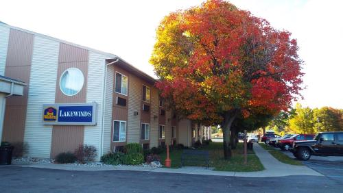 Best Western Lakewinds Photo