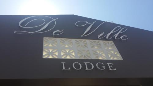 De Ville Lodge Photo