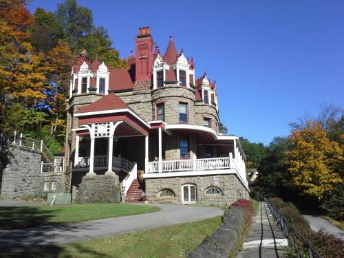 Overlook Mansion Photo