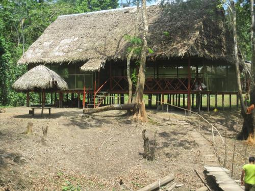 Amazon Queen Lodge Photo