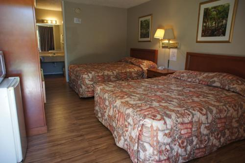 Executive Inn & Suites Photo