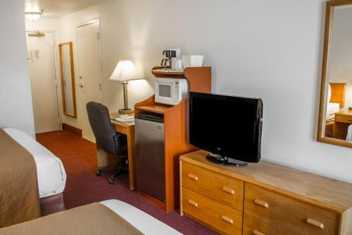Quality Inn & Suites Longview - Longview, WA 98632