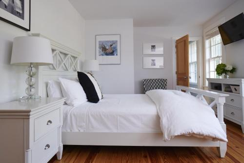 Seven - a boutique B&B on Shelter Island Photo