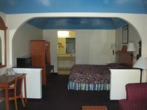 Garden Inn and Suites Photo
