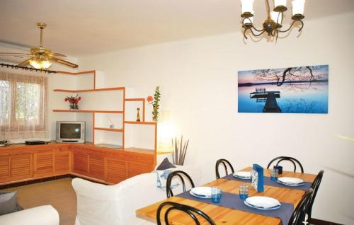 Hotel Holiday Home Can Pastilla