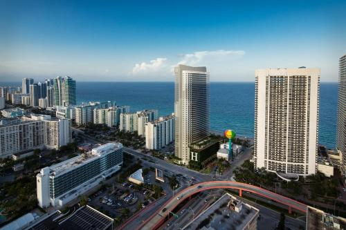 2 Bedroom Apartment near Hallandale Beach