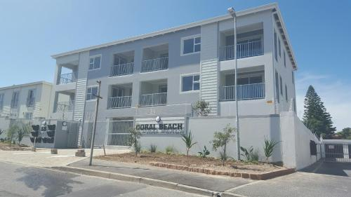 Apartment Coral Beach Photo