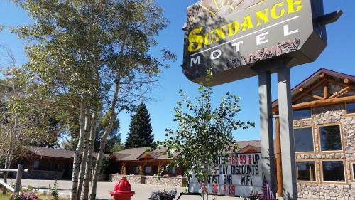 Sundance Motel Photo