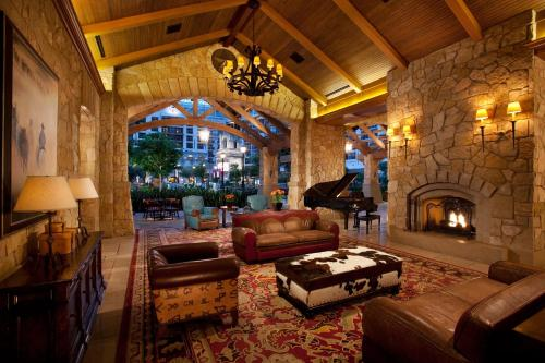 Gaylord Texan Resort and Convention Center Photo