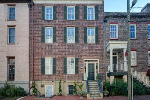 The DuLinn on York - Savannah, GA 31401