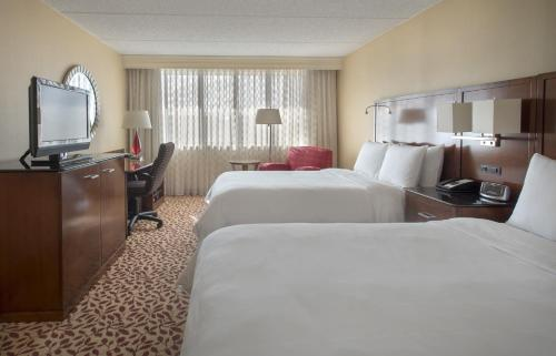 Long Island Marriott Hotel Photo