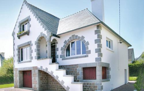 Holiday home Rue Pierre Le Goffic - perros-guirec -
