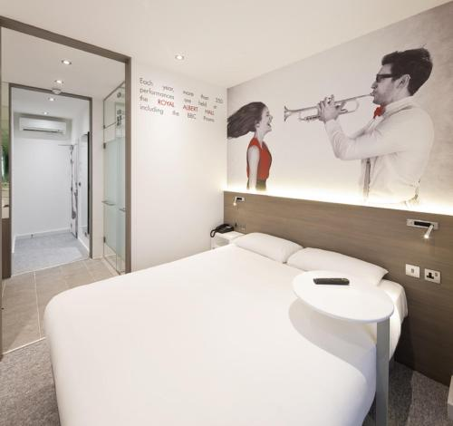 ibis Styles London Kensington photo 18