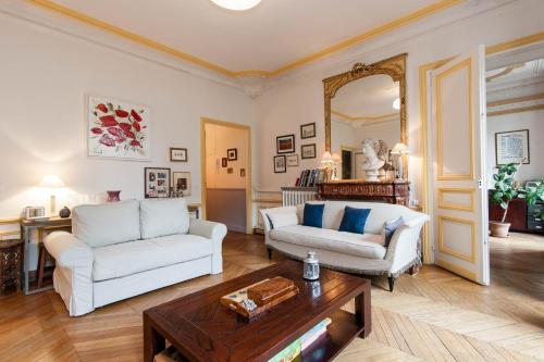 Typical Parisian Flat/Periere Champs Elysees