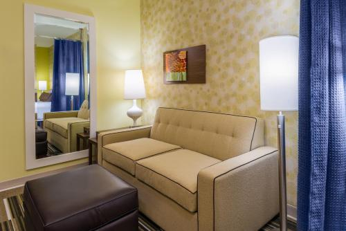 Home2 Suites by Hilton Buffalo Airport/ Galleria Mall Photo