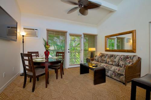 Aina Nalu Two Bedroom Two Bathroom 13 - Lahaina, HI 96761
