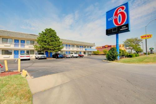 Motel 6 Wichita Airport