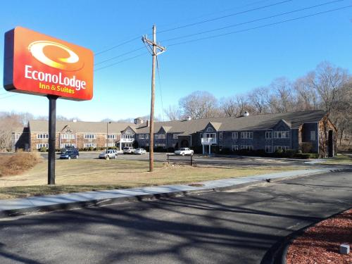 Econo Lodge Inn & Suites - Groton, CT 06340
