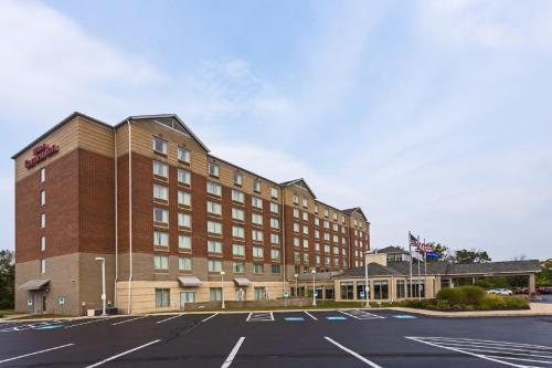 Hilton Garden Inn Cleveland Airport Photo
