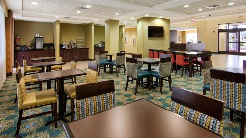 Best Western Plus North Savannah Photo