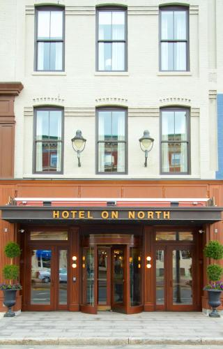 Hotel on North Photo