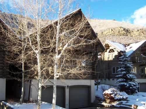 Lodges at Timbercreek West Vail Home - Vail, CO 81657