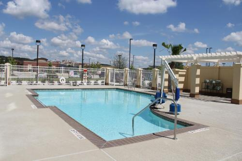 Hilton Garden Inn San Antonio/Rim Pass Drive Photo