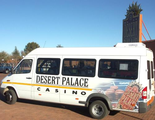 Desert Palace Hotel Photo