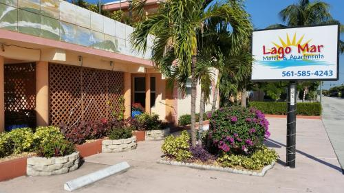 Lago Mar Motel and Apartments Photo