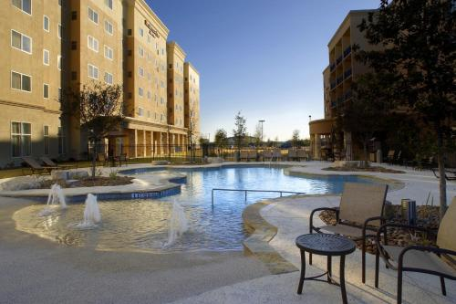 Courtyard by Marriott San Antonio Six Flags at The RIM Photo