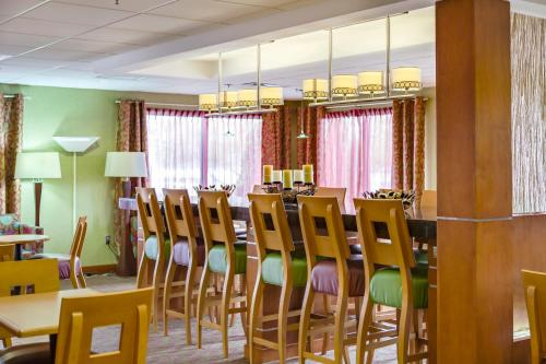 Hampton Inn Harrisonburg - University Photo