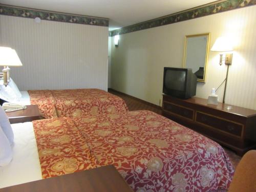 Governor's Inn & Suites Photo