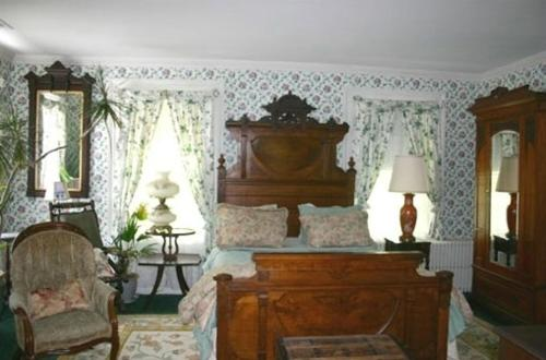 House of 1833 Bed and Breakfast Photo