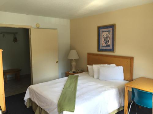 Bay Inn and Suites San Diego Photo