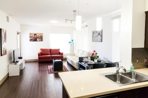 Heaven on Hollywood Furnished Apartments Photo