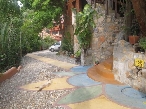 La Loma Linda: Bungalows, Yoga and Feldenkrais Photo