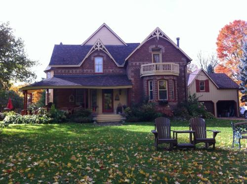 The Maples Bed and Breakfast Photo
