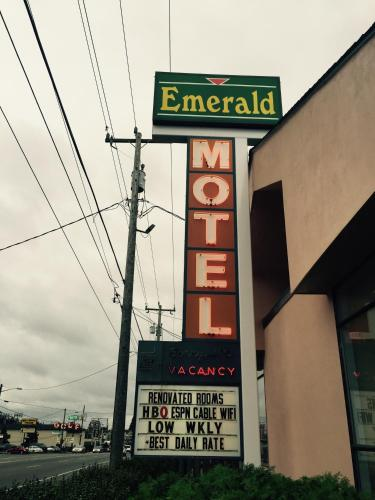 Emerald Motel Seattle Photo